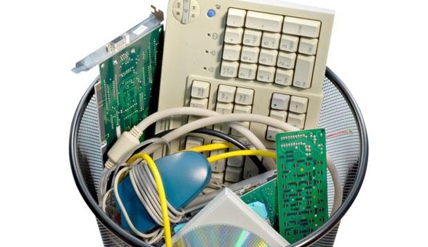 IT-accessories-in-dustbin