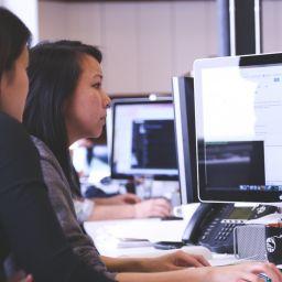 women-working-on-pc
